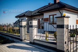 Ogrodzenie murowane pustak łupany biały grafit Radom łupanka ogrodzenia metalowe stalowe pionowe spawane na wymiar Zwoleń Warka