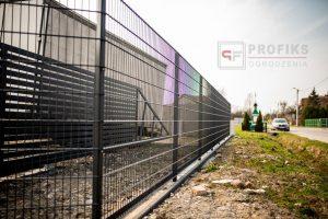 Ogrodzenie panelowe panel prosty 2D ogrodzenia systemowe kolor czarny Radom monntaż ogrodzeń Zwoleń Puławy
