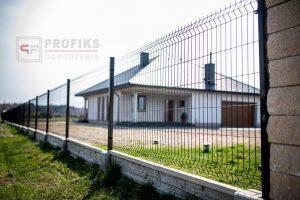 Panel Ogrodzeniowy 123 cm HR4 RAL9005 czarny podmurówka systemowa Ogrodzenie Panelowe Radom Panele przetłaczane ogrodzeniowe 3D ogrodzenia systemowe producent Puławy Białobrzegi