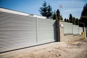 Ogrodzenie murowane łupane pustak łupany biały ogrodzenia metalowe nowoczesne poziom żaluzja model Radom producent stal spawana na wymiar Opoczno Kozienice spawalnia