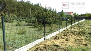 Panel Ogrodzeniowy 123 cm HR4 RAL7016 RAL9005 czarny grafit podmurówka systemowa Ogrodzenie Panelow Radom Panele przetłaczane ogrodzeniowe 3D ogrodzenia systemowe producent łącznik Starachowice Warka