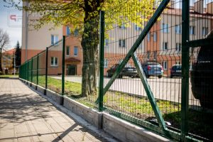 Panel Ogrodzeniowy 153 cm HR4 RAL6005 zielony podmurówka systemowa Ogrodzenie Panelowe Radom Panele przetłaczane ogrodzeniowe 3D ogrodzenia systemowe producent łącznik Opoczno Warka