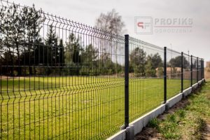 Panel Ogrodzeniowy 153 cm HR4 RAL9005 czarny podmurówka systemowa Ogrodzenie Panelowe Radom Panele przetłaczane ogrodzeniowe 3D ogrodzenia systemowe producent Puławy Dęblin Lipsko